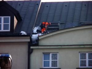 Zbijanie sopli i usuwanie nawisów śnieżnych Warszawa